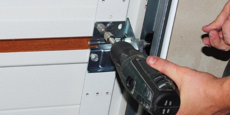 Overhead garage door repairs Superior Garage Door Repair