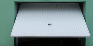 garage door not closing all the way - Superior Garage Door Repair