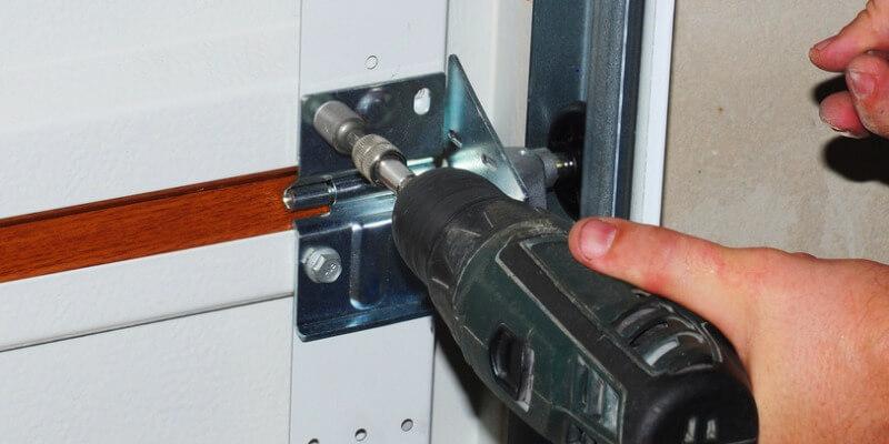 mistakes during garage door service - Superior Garage Door Repair
